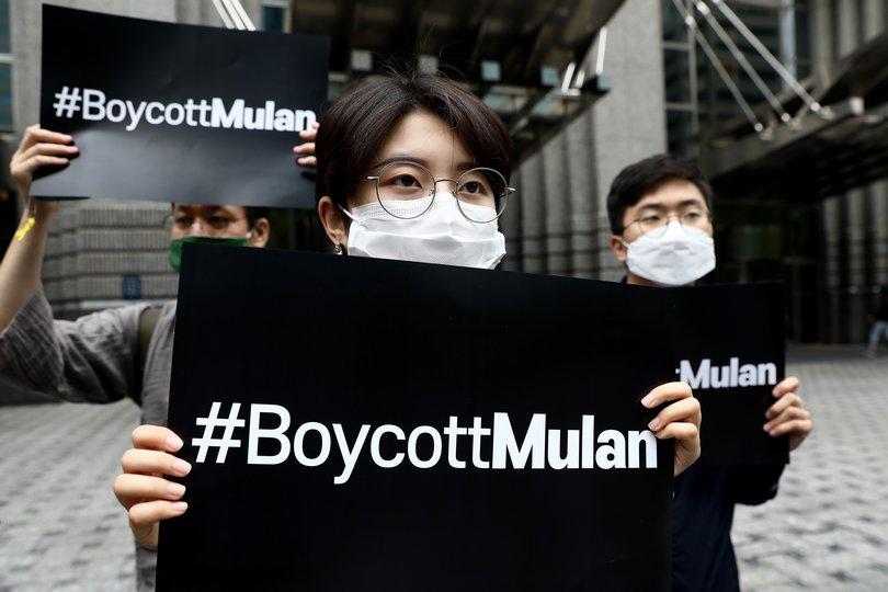 διαμαρτυρίες για τη 'mulan'
