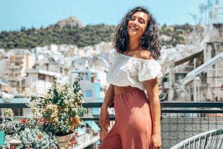 Η Ευγενία Σαμαρά ζει στο πιο όμορφο μπαλκόνι της Αθήνας