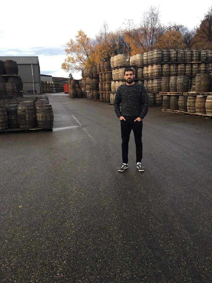 Ο Κωνσταντίνος σε ένα από τα warehouses του Glenfiddich