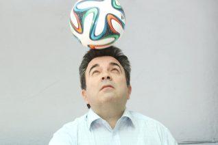 Τα χειρότερα αστεία που έχει πει μέχρι στιγμής ο Καρπετόπουλος στο Euro