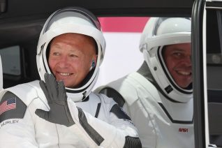 H ιστορική εκτόξευση του Space X μέσα από 7 φωτογραφίες