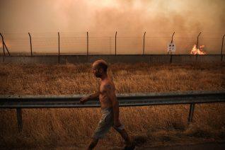 14 τραγικές φωτογραφίες από την καταστροφή στην Βαρυμπόμπη