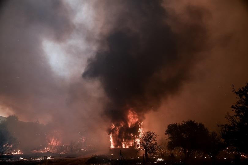 Πυρκαγια στα Βίλια