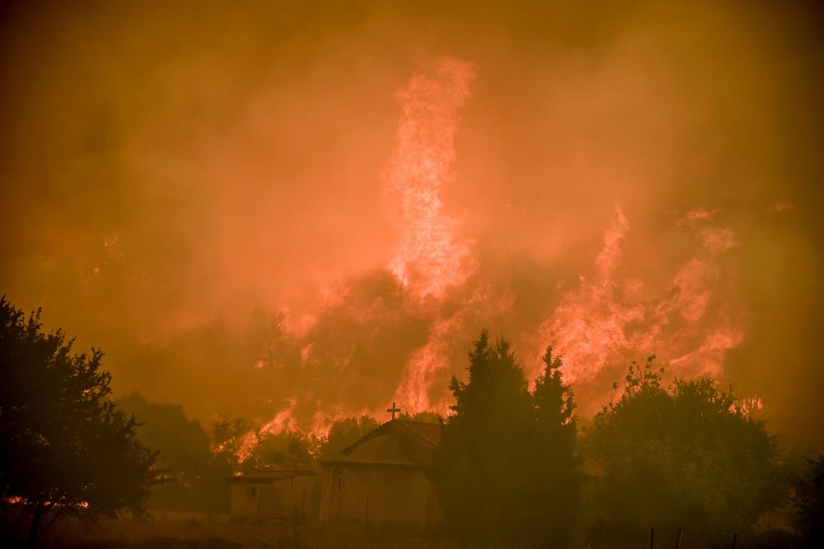 Οι φλόγες στα Βίλια