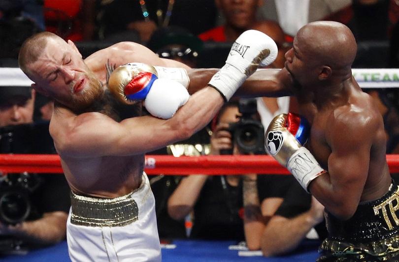 Ο Mayweather στον αγώνα με τον McGregor.