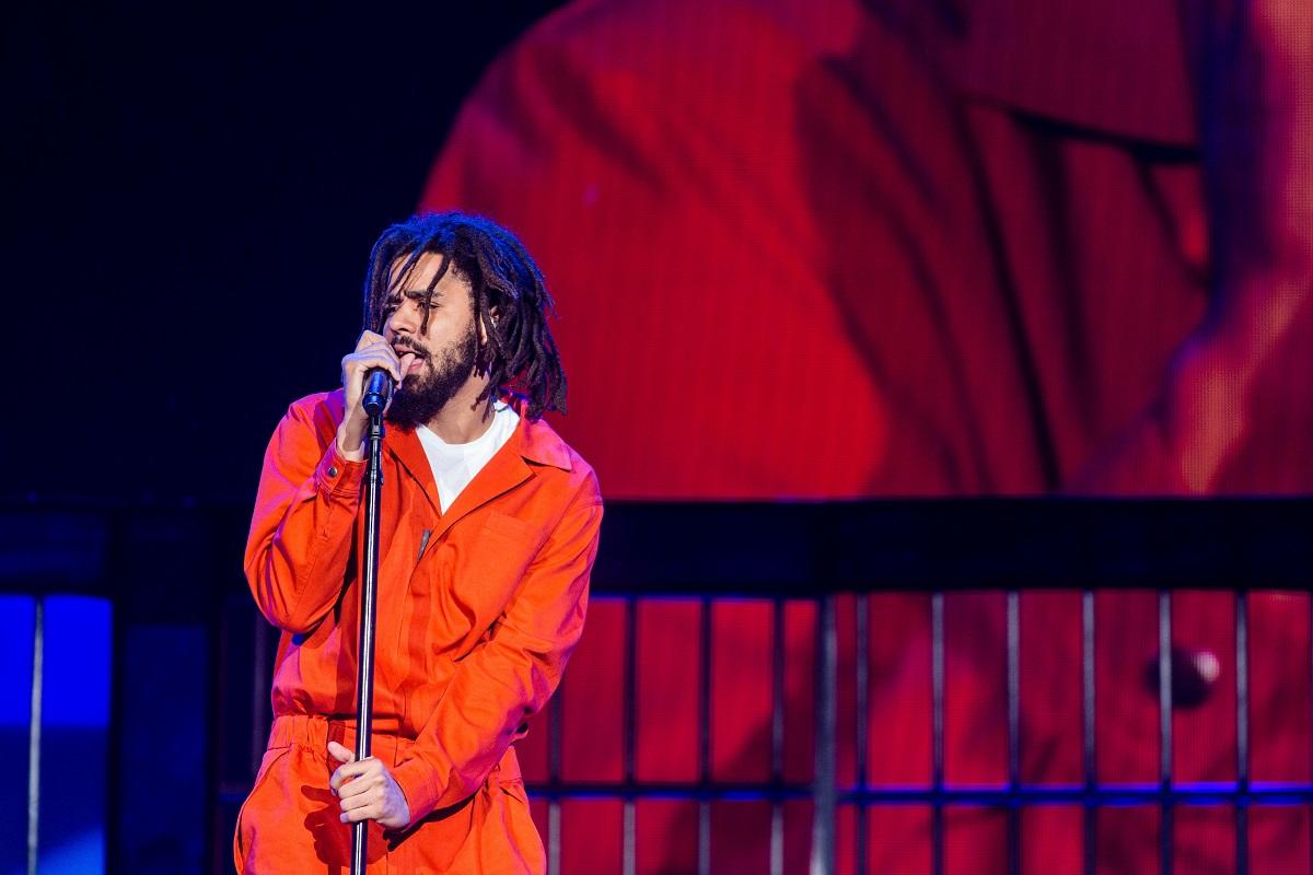 Ο J. Cole σε live performance.