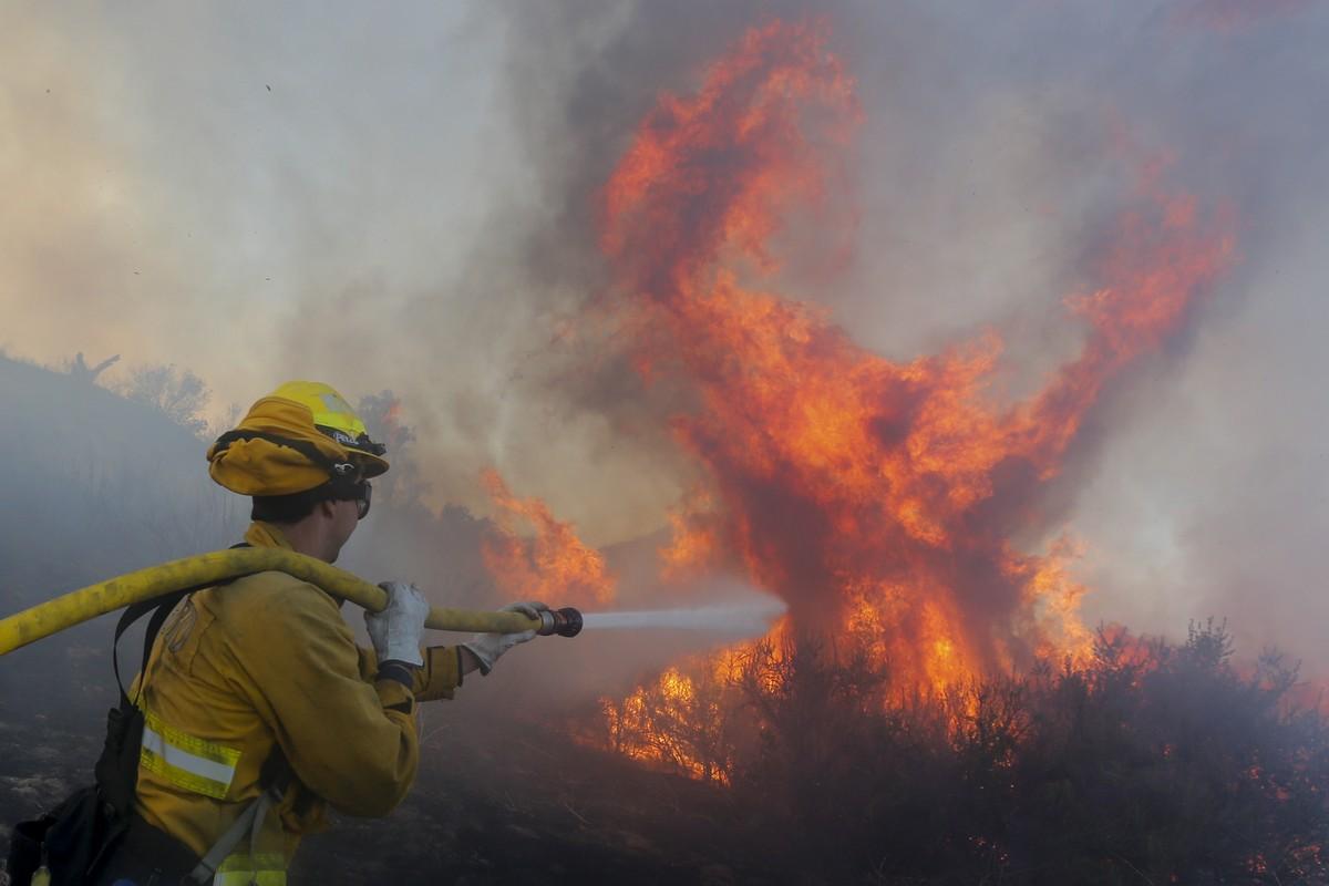 Παγκόσμια Ημέρα Γης Αμαζόνιος Περιβάλλον φωτιά