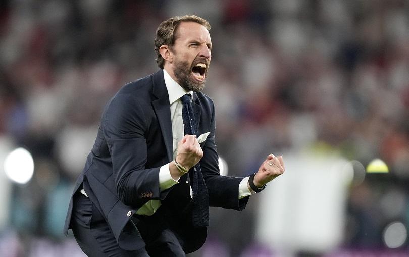 Ο Gareth Southgate πανηγυρίζει την πρόκριση για την Αγγλία στον τελικό