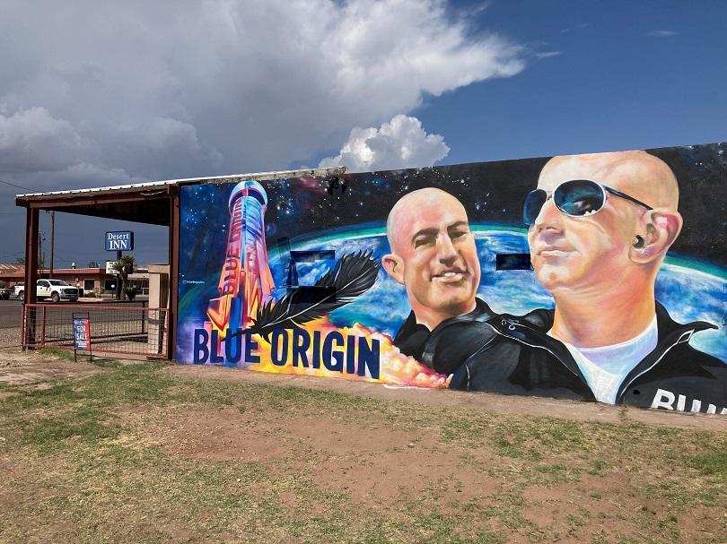 Το Blue Origin πριν την εκτόξευση του Bezos.