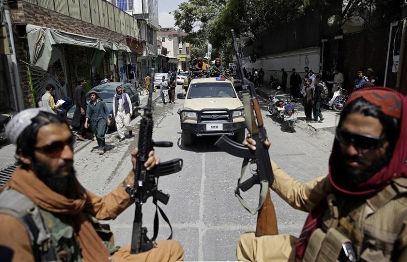 Οι Ταλιμπάν πανηγυρίζουν.