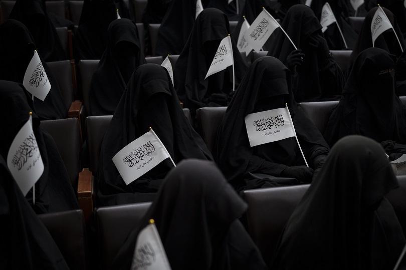 Γυναίκες υπέρ των Ταλιμπάν.