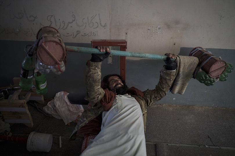 Ταλιμπάν κάνει γυμναστική.