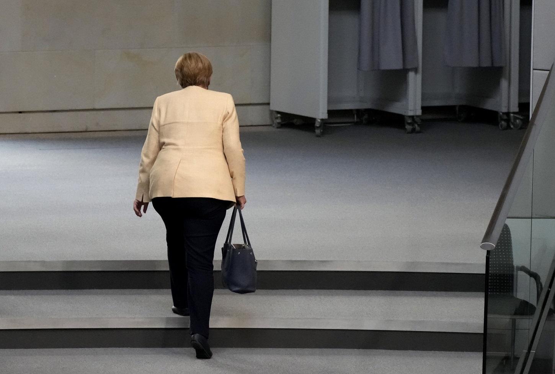 Η Angela Merkel στο Κοινοβούλιο.