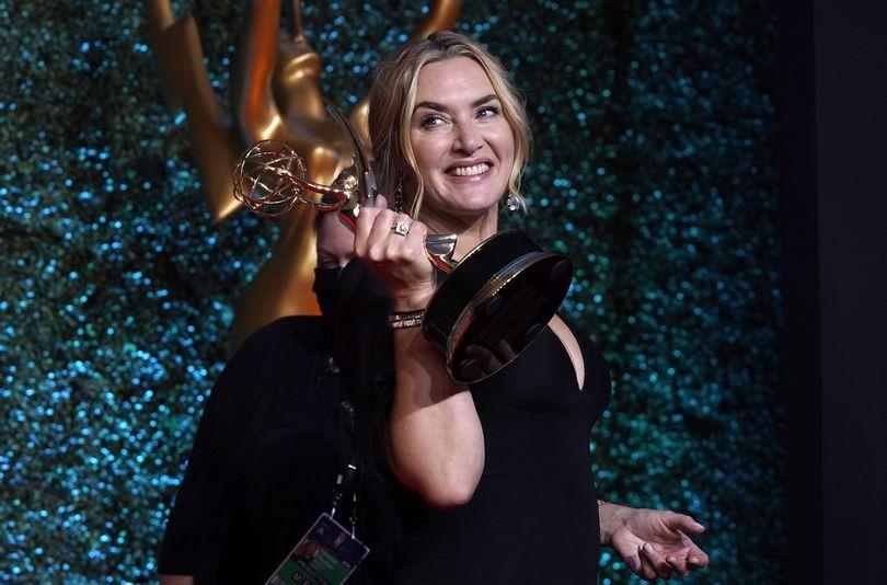 Η Kate Winslet στα Emmys 2021