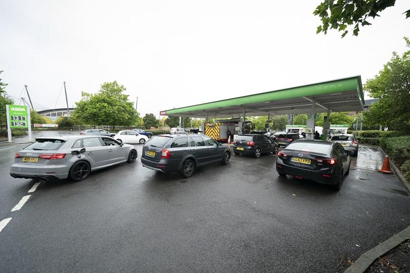 Έλλειψη πετρελαίου στα βενζινάδικα της Βρετανίας.