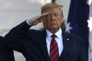 20 φωτογραφίες από την παλαβή θητεία του Donald Trump