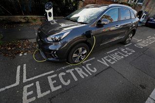 Πώς και γιατί το μέλλον των αυτοκινήτων είναι ηλεκτρικό