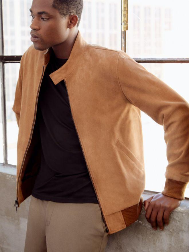 Το σουέντ bomber jacket