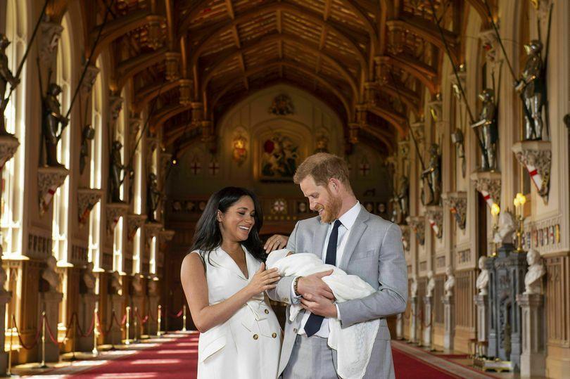 Η Meghan Markle και ο Harry με τον γιο τους Archie