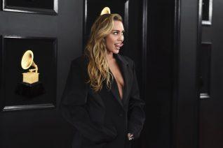 Το topless comeback της Miley Cyrus
