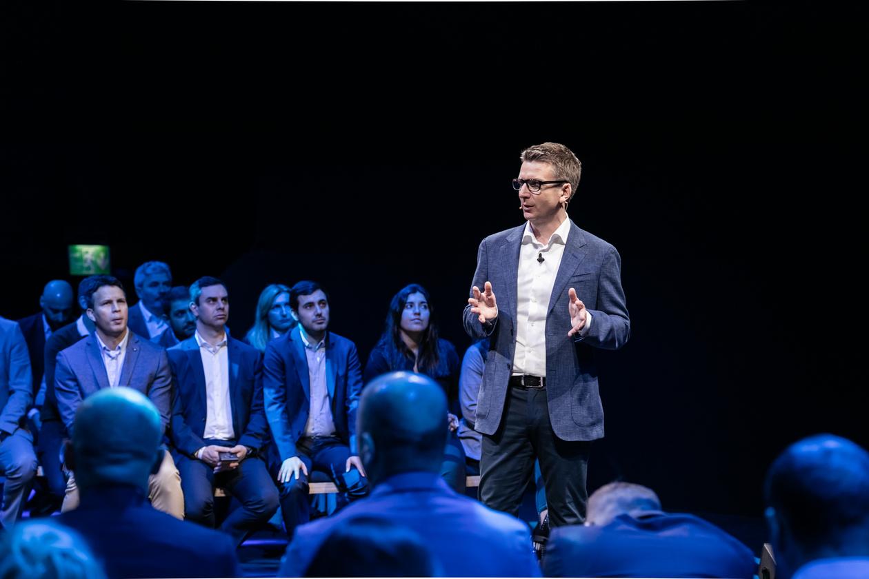 Ο Νathan Sheffield στην εκδήλωση της Samsung