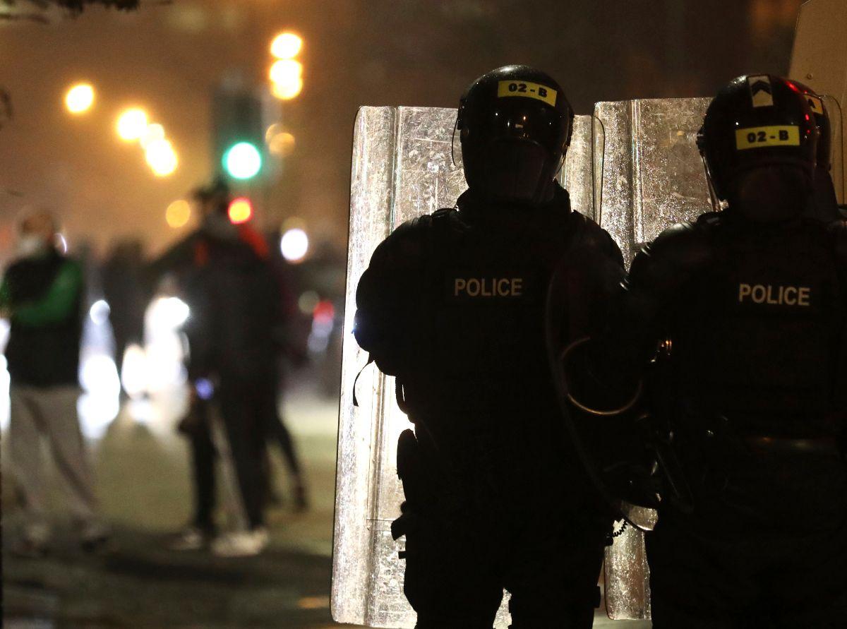 Φωτογραφίες από τις ταραχές αστυνομία