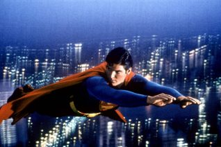 Superman: Η άσκηση που κάνει την πλάτη γερή σαν ατσάλι