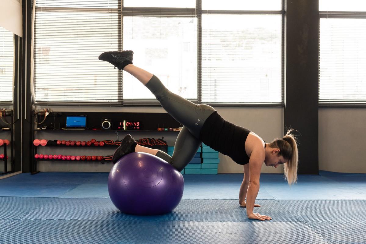 Άσκηση με μπάλα