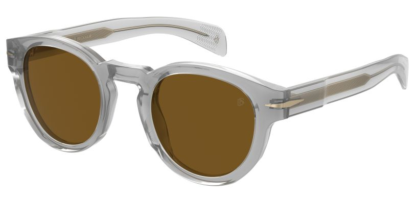 Τα διάφανα γυαλιά ηλίου του Beckham