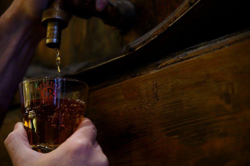 βρεττός brandy βαρέλια