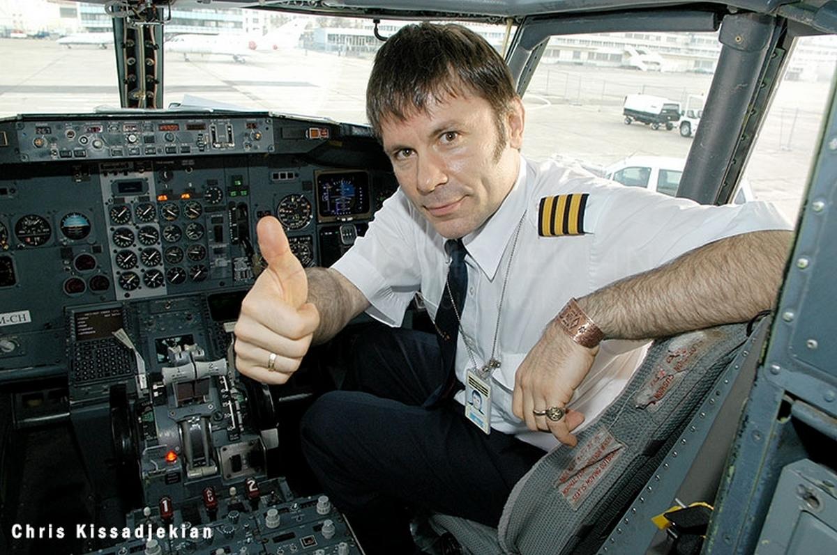 bruce dickinson αεροπορος αεροπλανο πιλότος