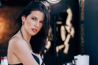 Η Χριστιάννα Σκούρα είναι η νέα μεγάλη ανακάλυψη του Κρήτη TV