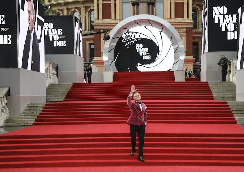 Το απρόσμενο look του Daniel Craig στην πρεμιέρα του No Time to Die