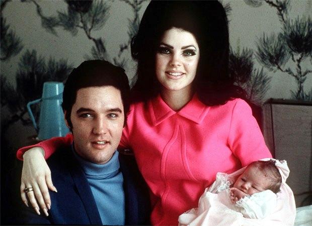 Με τη σύζυγό του, Πρισίλα και την κόρη του, Λίζα Μαρί, στο Μέμφις του Τενεσί το 1968 (AP Photo)