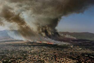 Κοσμά Κουμιανέ, τι ένιωσες όταν τράβηξες τη viral φωτογραφία από τη φωτιά στη Βαρυμπόμπη;