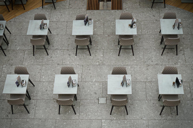 ιταλία κορονοϊός άδειες καφετέριες