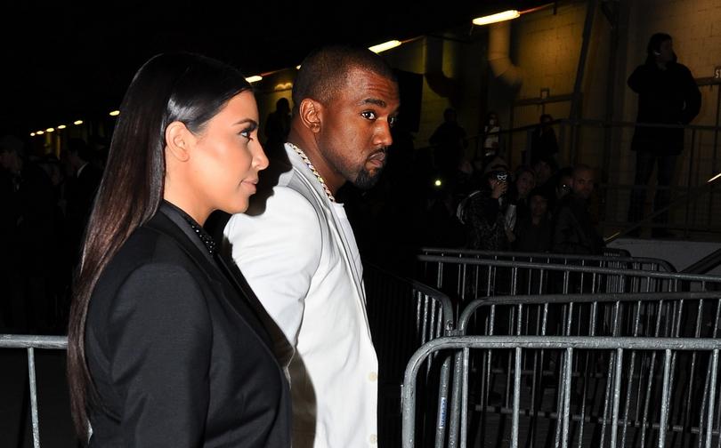 Ο Κanye West και η Kim Kardashian στο Παρίσι.