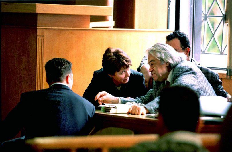 Κατσαντωνης δικηγορος Κοσμάς Απόστολος παιδοκτόνος