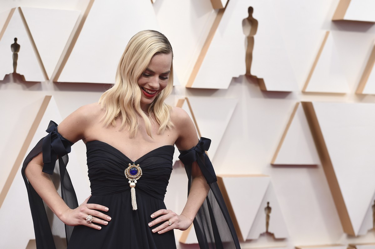 Margot Robbie arrives at the Oscars on Sunday, Feb. 9, 2020, at the Dolby Theatre in Los Angeles. (Photo by Jordan Strauss/Invision/AP)
