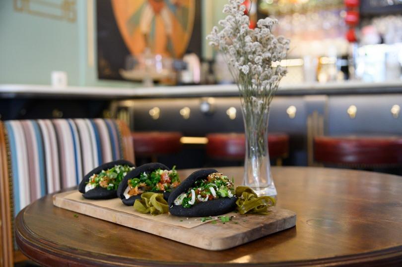Monsieur Cannibale, εστιατόριο, μπαρ, καφέ. Στην φωτογραφία bao buns. Τρίτη 1 Σεπτεμβρίου 2020. Φωτογραφίες: Oneman.gr / Φραντζέσκα Γιαϊτζόγλου Watkinson