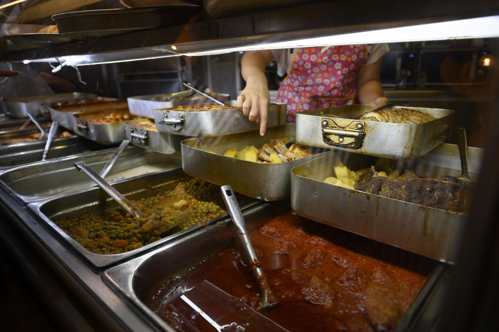 """Εστιατόριο """"Οι νοστιμιές της Μαίρης"""". Αφιέρωμα στην Κυψέλη. Τρίτη 8 Οκτωβρίου 2019. Φωτογραφίες: Oneman.gr / Φραντζέσκα Γιαϊτζόγλου – Watkinson"""