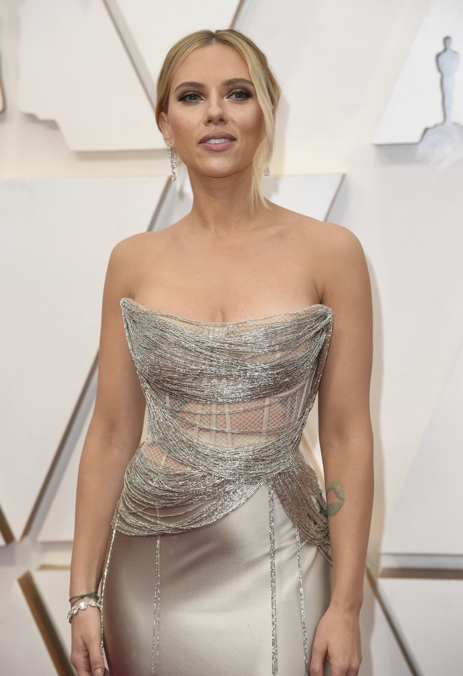 Scarlett Johansson arrives at the Oscars on Sunday, Feb. 9, 2020, at the Dolby Theatre in Los Angeles. (Photo by Richard Shotwell/Invision/AP)