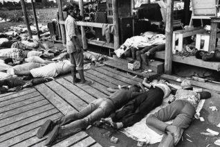 Η παράνοια ενός πάστορα που οδήγησε στην αυτοκτονία 909 ανθρώπων