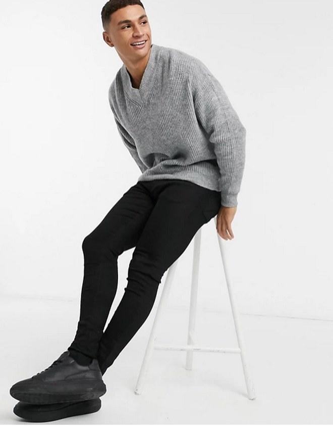 V-neck πουλόβερ