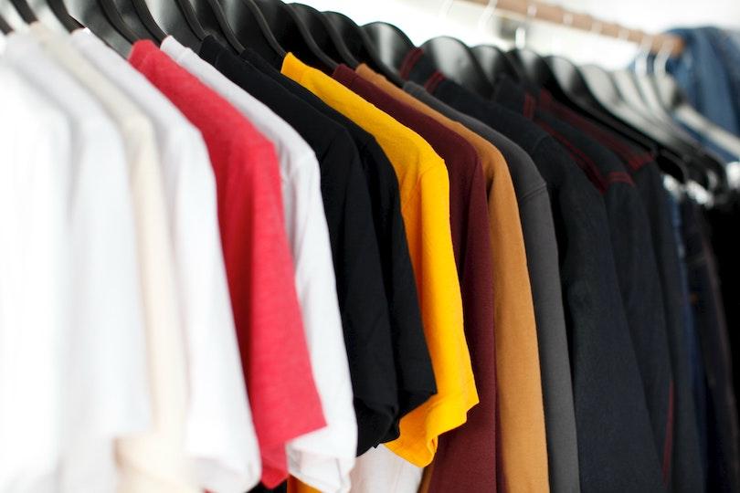 Τα καλοκαιρινά ρούχα που θα φοράς και το φθινόπωρο