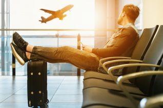 Γιατί δεν πρέπει να φοράς ποτέ σορτς στο αεροπλάνο