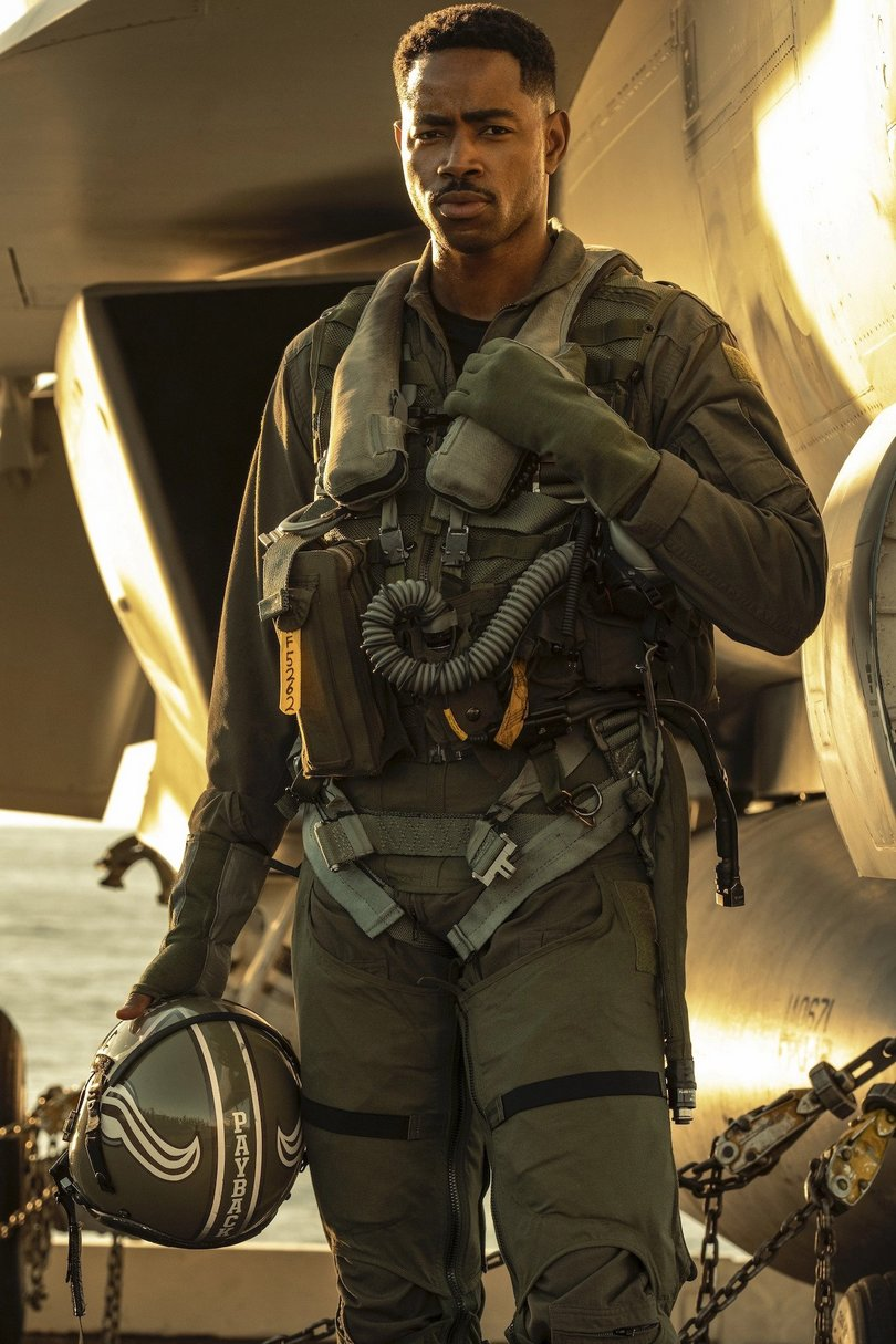 top gun maverick jay ellis